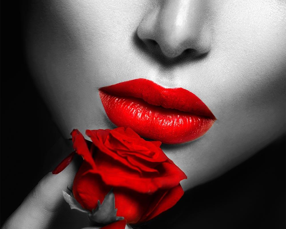 Frau mit roter Rose - Umsatzsteigerung